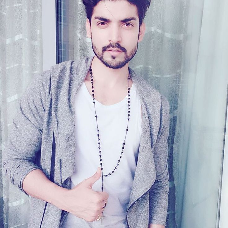 "4,949 Likes, 158 Comments - Gurmeet Choudhary (@guruchoudhary) on Instagram: ""#fame #live 6pm """