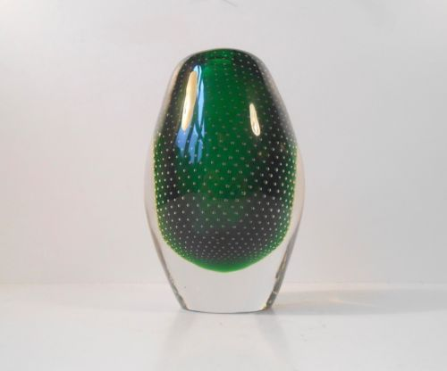 Rare-1950s-Gunnel-Nyman-green-art-glass-vase-for-Notsjo- Nuutajarvi-Finland: http://www.ebay.com/itm/-/262091129874?