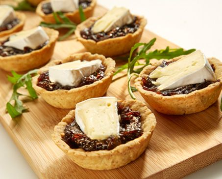 BALSAMIC ONION AND CAMEMBERT TARTLETS – Bakers