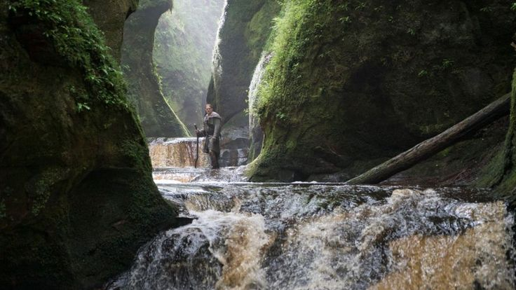 Stunning scenery locations from a new King Arthur film are being used to attract tourists to explore Scotland.