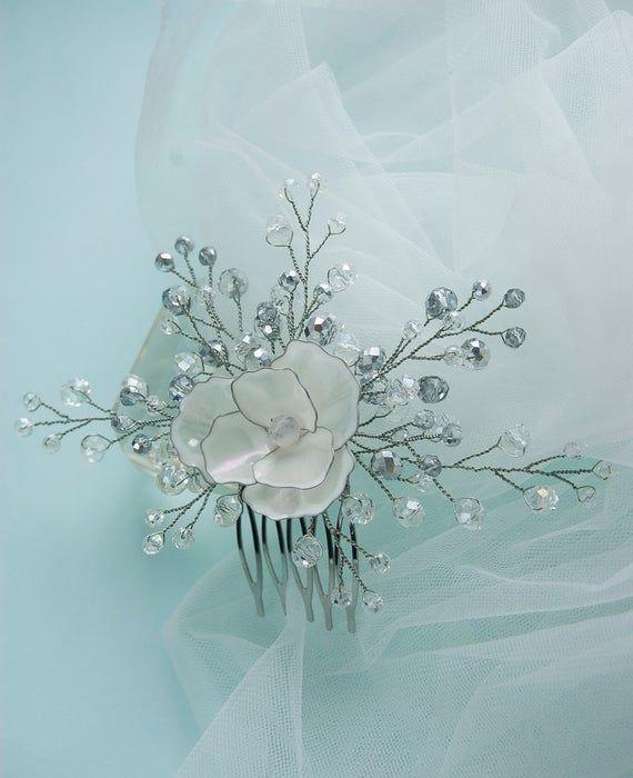 Bridal white daisy flower hair comb whith crystal beades, classical wedding hair accessory, ethnic motives, resin kanzashy