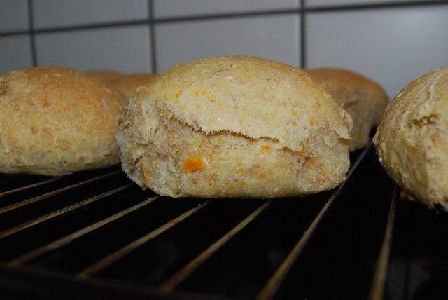 Fru Kubiks lækkerier: Gulerodsboller