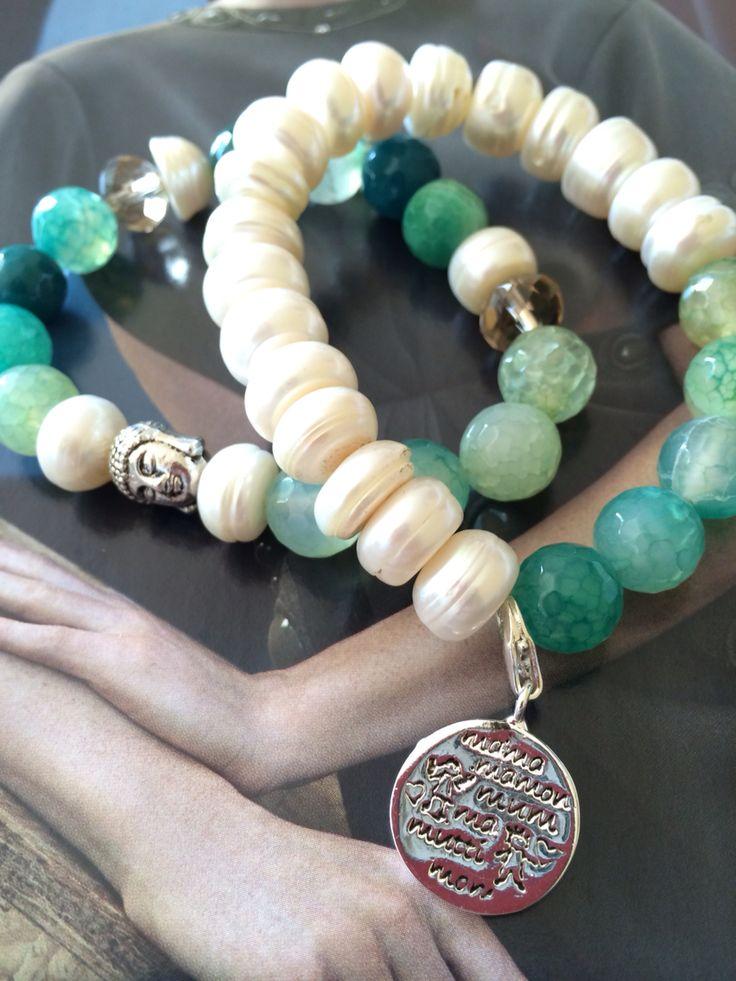 Pulseras de piedras y perlas