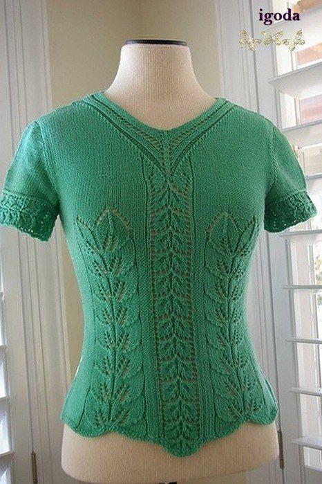 Зеленая кофточка с узором «листья»