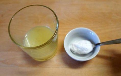 Tentodomáci nápoj na chudnutie pomôže nielen vysporiadať sa s nadváhou. Aletiež posilníte svoje zdravie! Obe látky – citrón a sóda – zlepšujú trávenie, čistia telo od toxínov. V dôsledku podvýživy mnoho ľudí trpí acidózou.Acidóza je porucha ideálnej rovnováhy kyselín a zásad v organizme.Sóda s citrónom vám efektívne pomôže vysporiadať sa