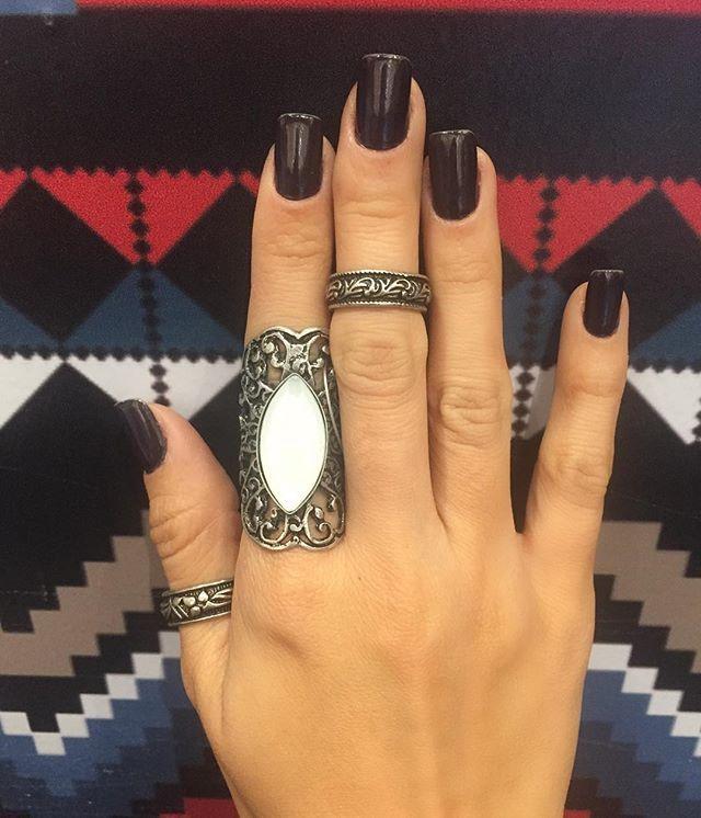 Anel dedo indicador 39,97/ anel dedão 19,97/ anel falange dedo do meio 19,97  já está disponível na loja física e no site  COMPRAS ON-LINE  Amou  nossas peças ? Enviamos para você  compre online com a gente !  1️⃣Whats App 31 9 9211 4505 Brenda  2️⃣ www.espacolz.com.br 3️⃣ rua Antônio de Albuquerque ,607/ Savassi - BH tel : 31 3656-4850 #ecommerce #trend#winter2016#fashion #espacolz #modaminas#compras#keds#winter2016 #comprasonline