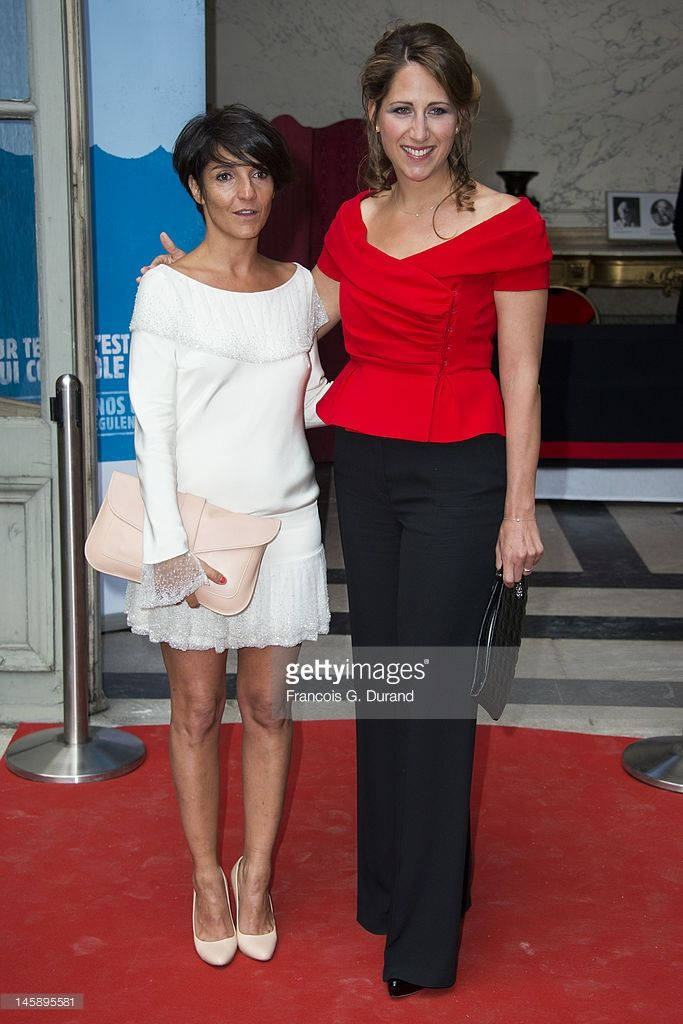 Photo d'actualité : Florence Foresti and Maud Fontenoy arrive at the...