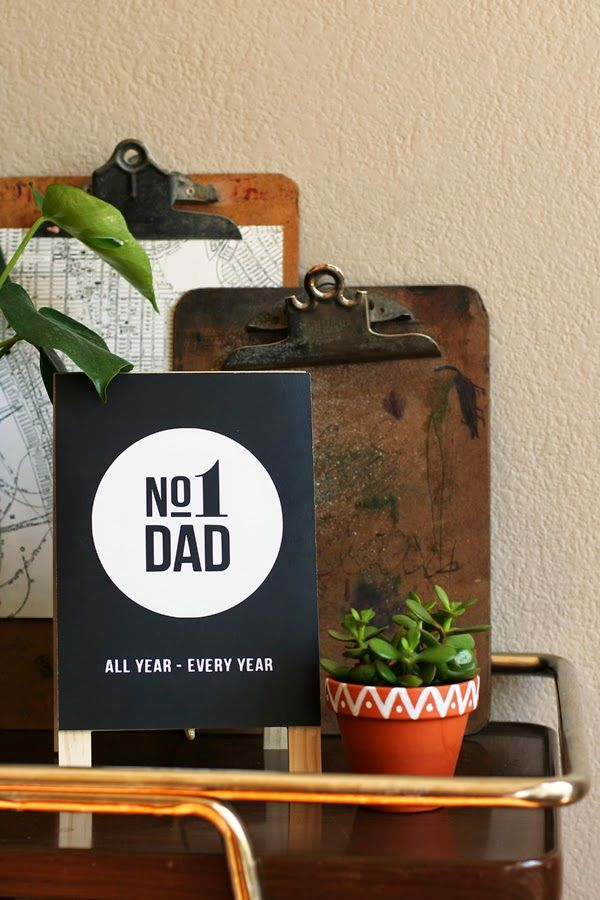 eighteen25: Father's Day | No.1 Dad Easel