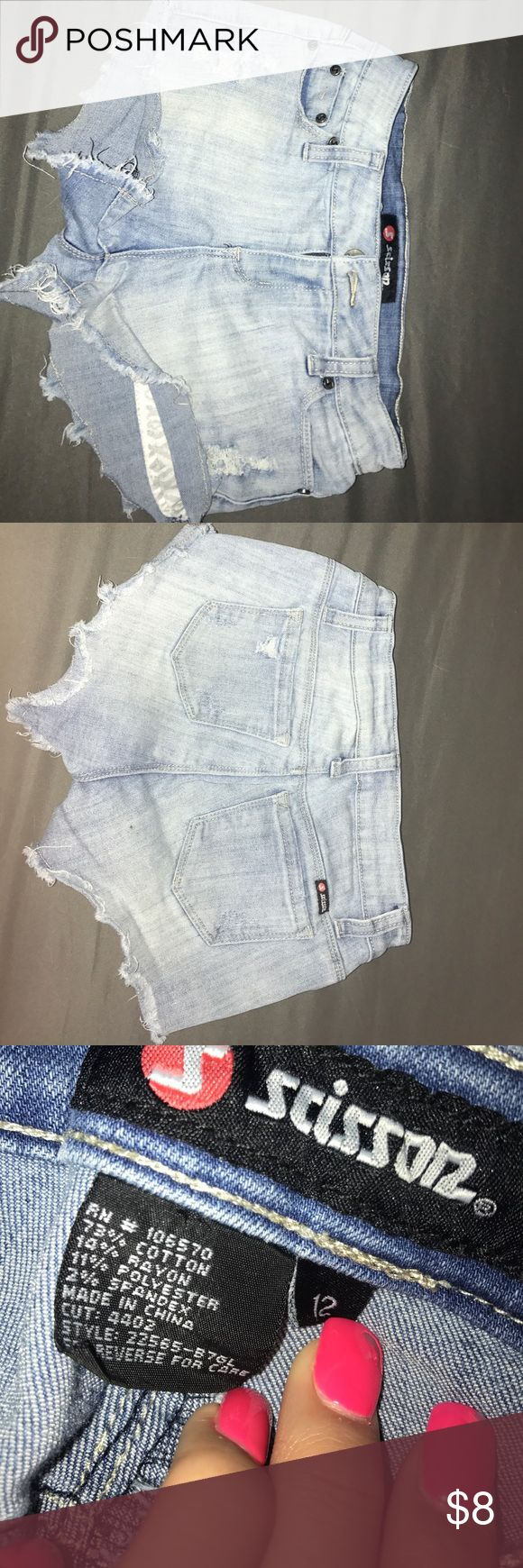 shorts size 12 in girls tillys size 12 jean shorts,good condition,no stains,only worn a few times,size 12 in teen girl sizes Tilly's Shorts Jean Shorts