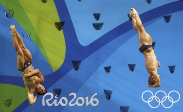 Chris Mears and Jack Laugher won the first ever Olympic gold in the history of British diving with a remarkable performance in the men's three-metres synchronised springboard.....10 Augustus 16 *A*