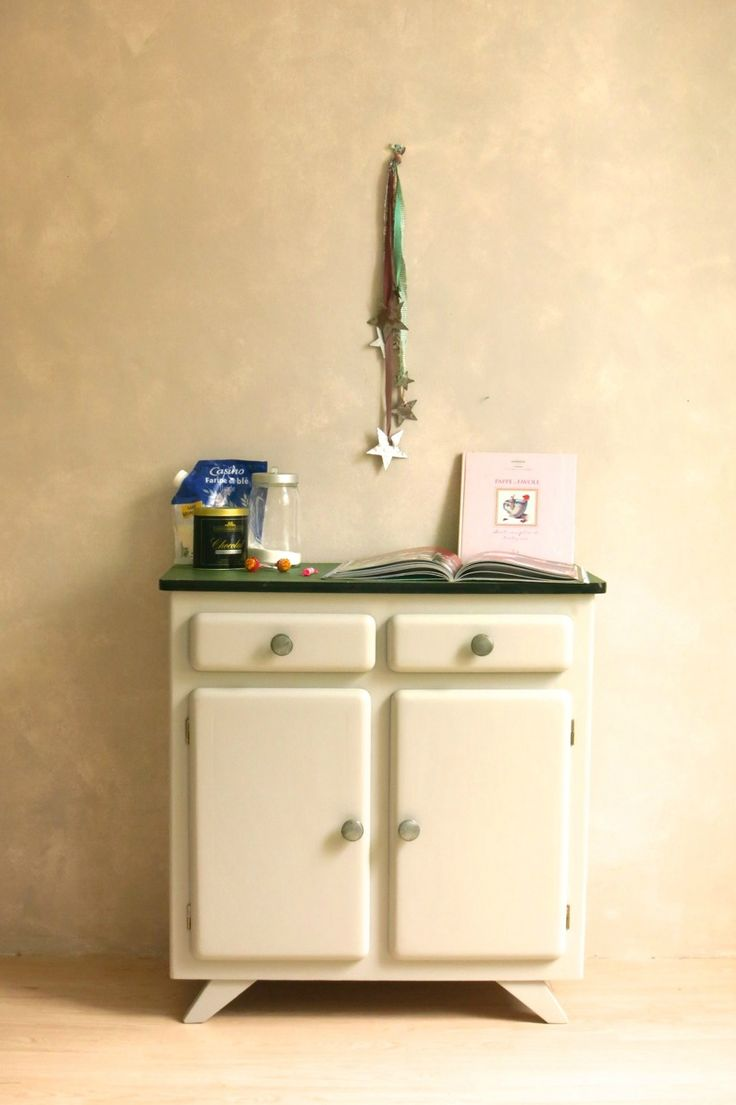 405 best mobilier vintage images on pinterest buffets food buffet and refurbished furniture. Black Bedroom Furniture Sets. Home Design Ideas