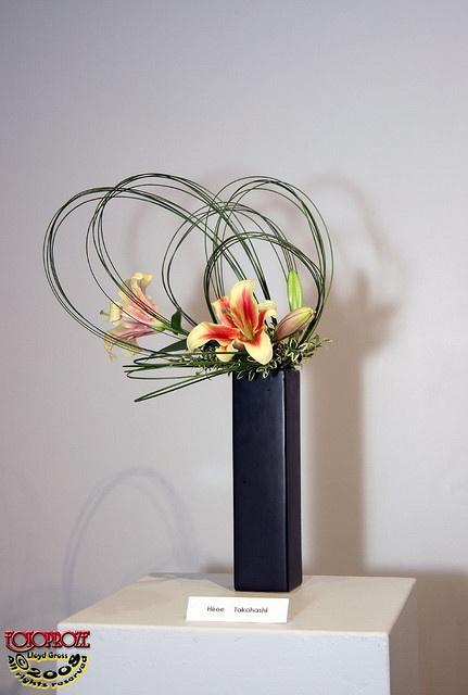 Autumn Songs - volume 6 Ikebana Exhibition https://www.facebook.com/Ikebana-International-Montreal-852683954845979