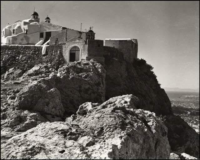 .Herbert List Αθήνα,ο Άγιος Γεώργιος στον Λυκαβηττό το 1937.