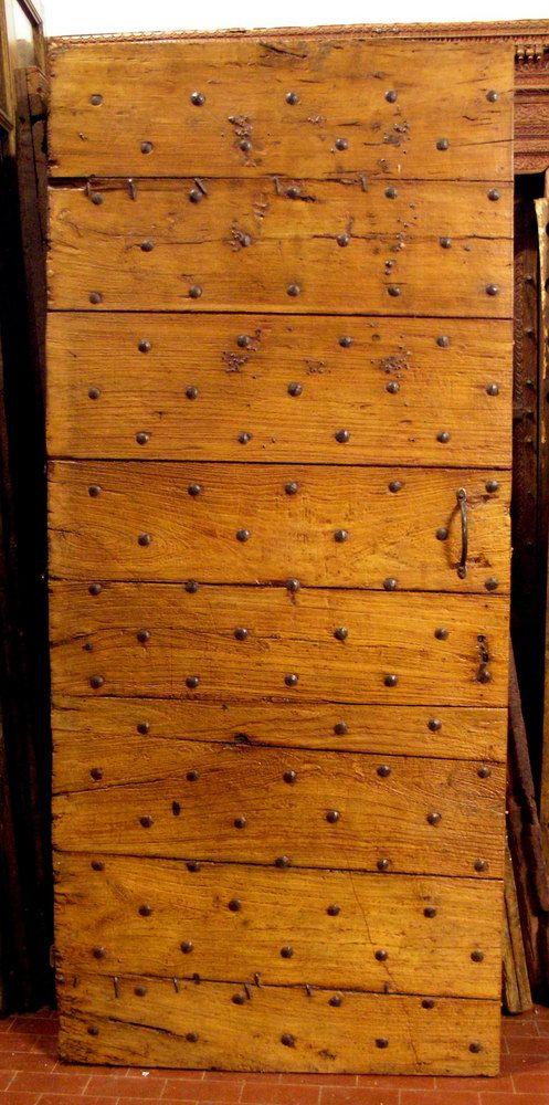 ptir280 porte avec des clous en bois de fruits, mes. cm 88 x 199 cm - SIMONE MARRO: portes e portes d'entree anciennes a Cuneo, Torino, Piemont, Italie
