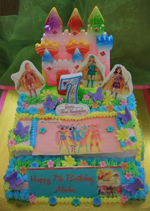 Barbie Castle Cake Images : 32 best images about Cakes - Barbie on Pinterest
