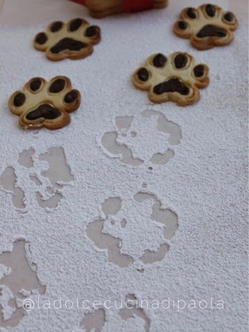 http://ladolcecucinadipaola.blogspot.it/2015/01/biscotti-impronte-birichine.html
