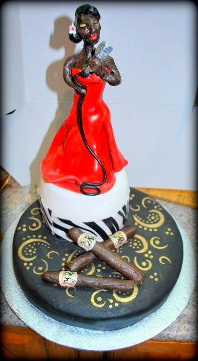 Gâteau chanteuse cubaine et cigare en chocolat Cuban singer cake with chocolat cigar