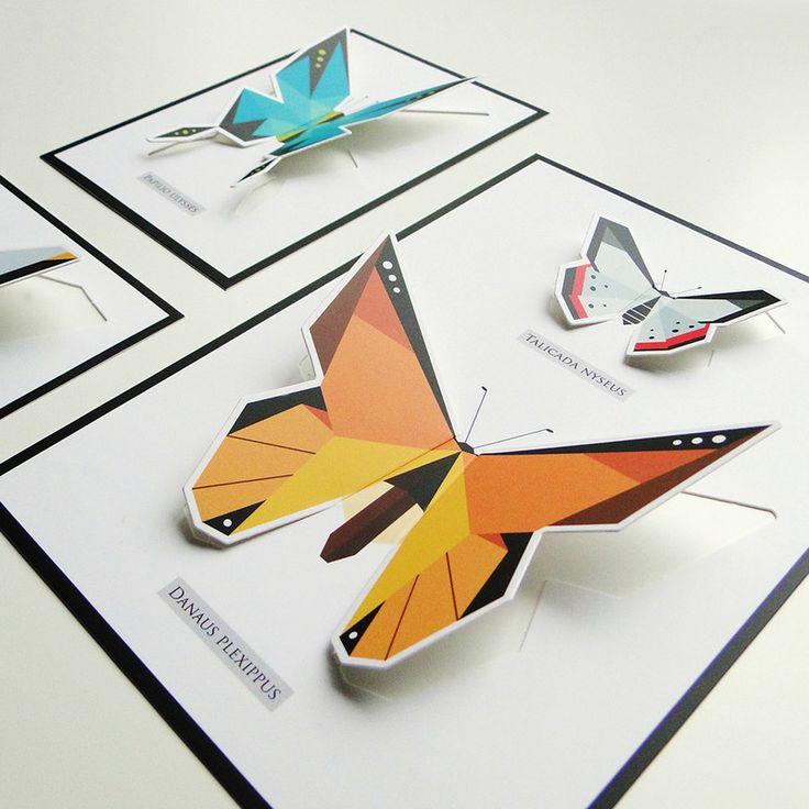Vlinder pop up kaartenset. Deze kaartenset is geïnspireerd op de mooie, vintage vlinderkastjes die je nu veel ziet. Bij de 3 kaarten zitten bijpassende enveloppen, zodat je ze op kan sturen. Of hou ze zelf, klap de vleugeltjes omhoog en maak zo je eigen papieren vlinderset aan de muur! Ontwerp: Origamizoo. Inhoud kaartenset: * A5 pop up kaart * 2 A6 pop up kaarten * Bijpassende koraal enveloppen