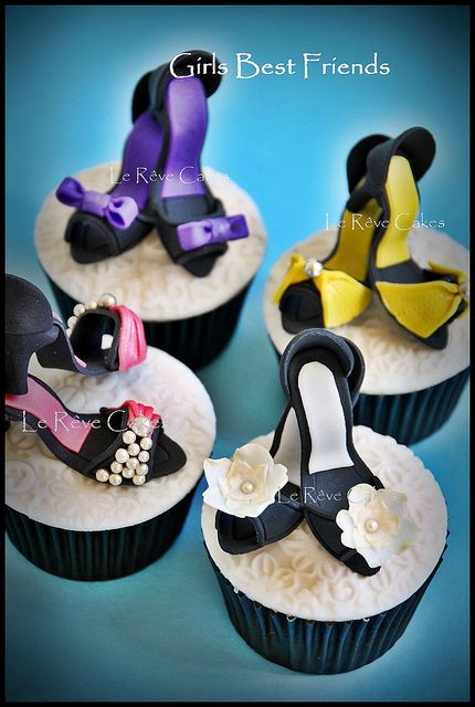 Lovely High Heel Shoe cupcakes by Le Rêve Cakes