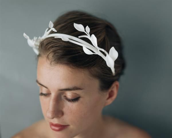 Designer Kasia Wisniewski has combined 3D printing with traditional crafting techniques to create a stunning collection of nature inspired bridal accessories, all available through her Etsy store, Collected Edition.