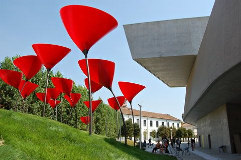 At the Maxxi museum in Rome, an urban gardendesigned by young architects.
