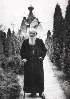 Τί νόημα ἔχουν οἱ λιτανεῖες πού γίνονται στούς δρόμους καί στούς ἀγρούς - Aγ. Νικόλαου Βελιμίροβιτς
