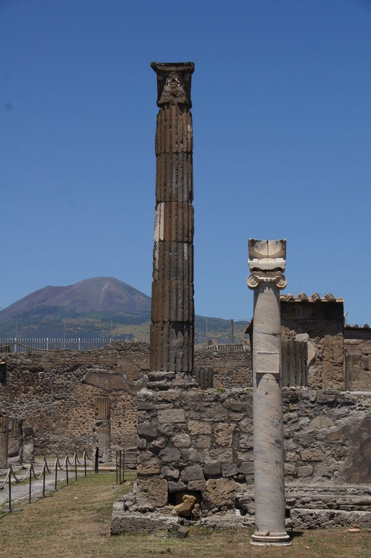 Pompeii & Mount Vesuvius  #pompeii #vesuvius #vesuvio #faunopompei #travel #italy #napoli #volcano #night #mountvesuvius #pompei #mountain #excursions #travel #italy #naples #bay