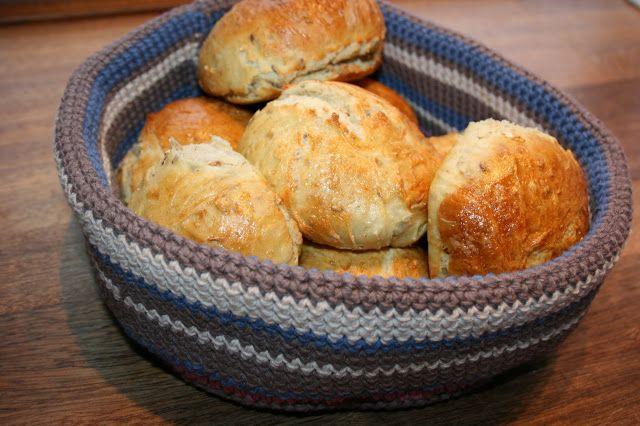 pralerier: DIY: Hæklet brødkurv