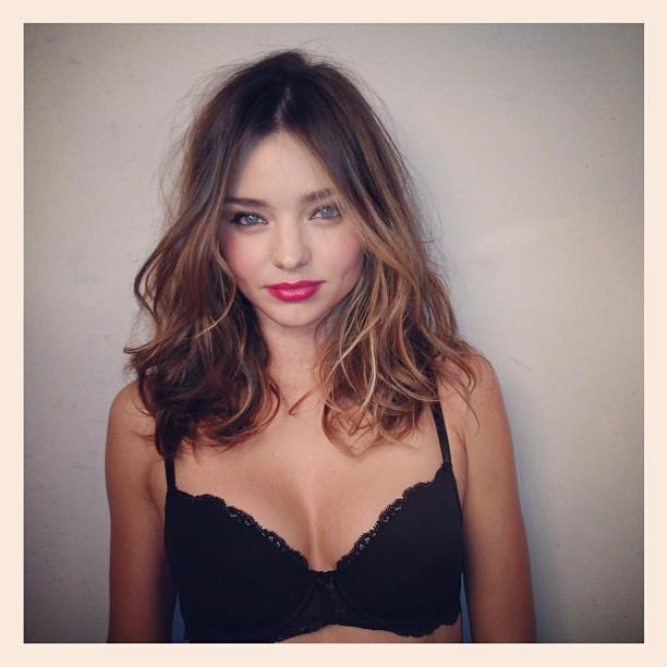 Miranda Kerr's hair in the photo is so beautiful! Love the messy curls and the color.