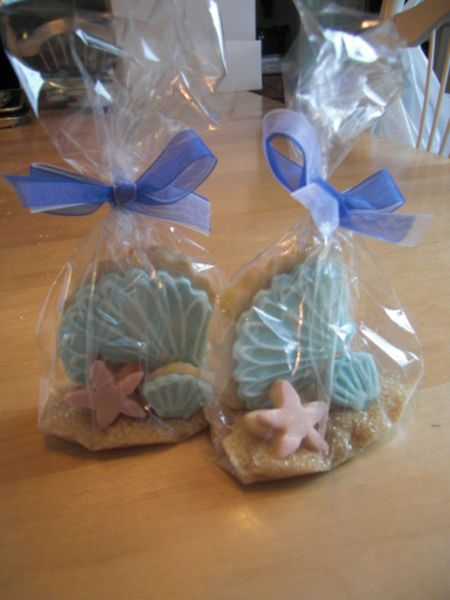 beach & sea shell cookie favors  perfect for the wedding coming up !!!