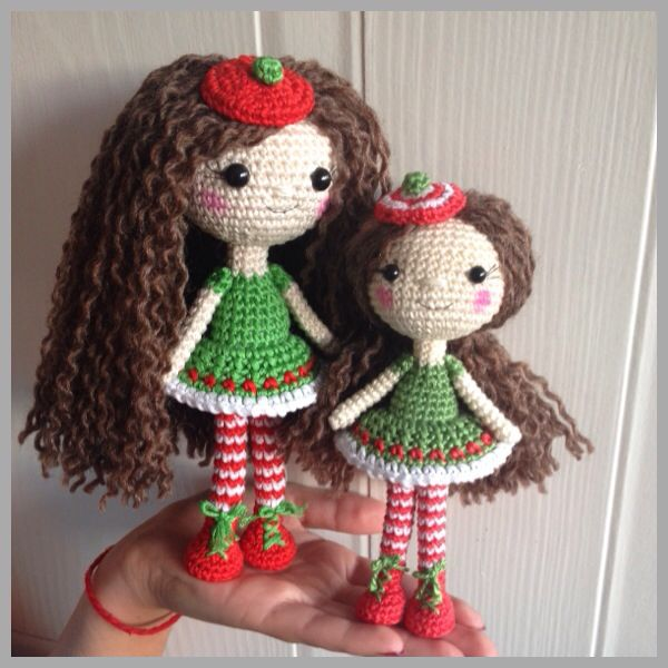 Holly a Christmas Dolly pattern by Uljana Semikrasa