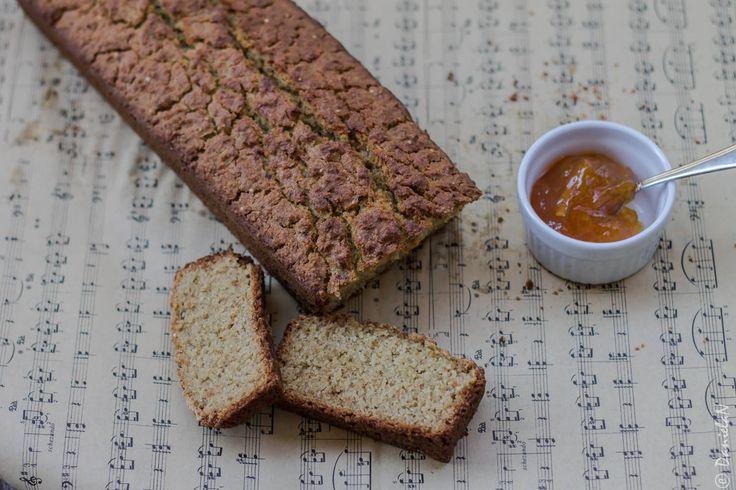 Pâine fără gluten din făină de quinoa și ovăz.
