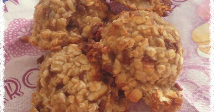 Kekse aus zwei einfachen Zutaten, die eigentlich jeder zuhause hat. Was tun mit überreifen Bananen? Hier ist die Lösung...