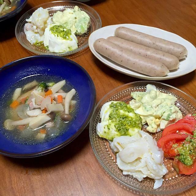 キノコと野菜のスープ、ソーセージ、モッツァレラチーズ、生タコのカルパッチョ、トマト、アボカドと卵のバジルマヨネーズ和え - 5件のもぐもぐ - 献立2015.2.20 by lottarosie
