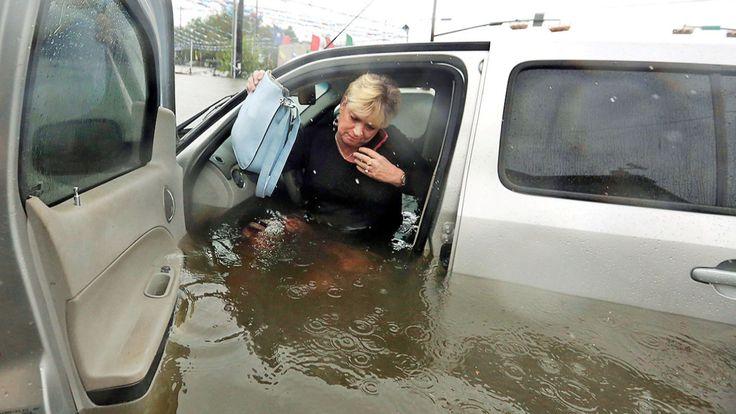 Der Wasserpegel in Texas steigt weiter - BILD in der Sintflut von Houston - News Ausland - Bild.de