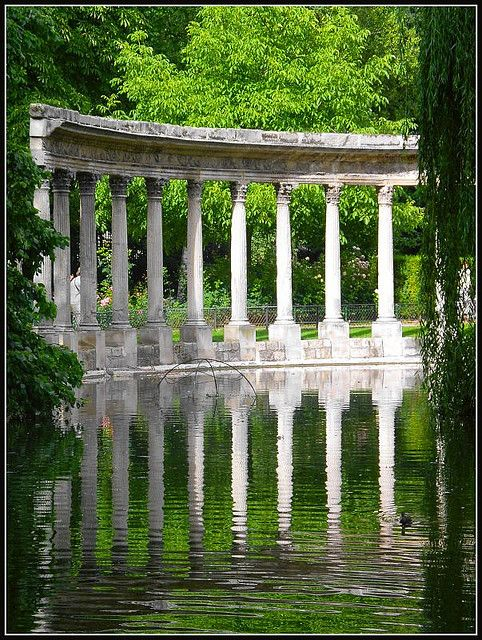 Parc Monceau, Paris (France). I LOVE this little park! Such great sculptural interest around the park but also great for a picnic or people watching.