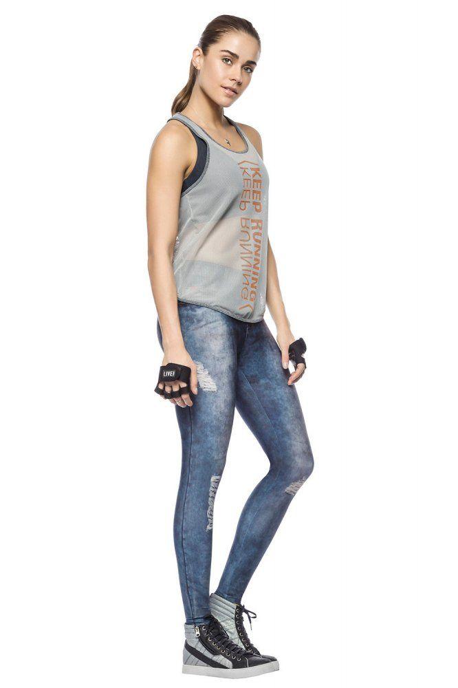 A Calça Fusô Classic Jeans é a nova paixão de todas. Em modelagem exclusiva, livre dos incômodos botões e zíperes, sua estampa JEANS é aposta certa para garantir conforto extra! Você não vai mais querer tirar!    *Tecido Maleável;  *Flexibilidade;  *Conforto;  *Easy-care;  *Estabilidade de temperatura corporal;  *Liberdade de movimentos.