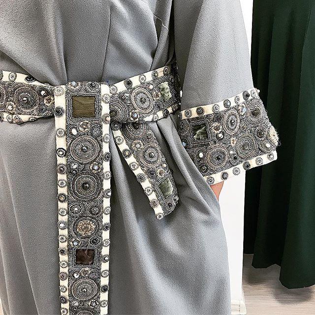 Один из наших любимых заказов: платье в пол с праздничным кушаком ✨✨✨Друзья, кушак - заказывайте! Он украсит любое платье, однотонное или с принтом (как более сложная комбинация👌🏻) Заказы принимаем также дистанционно. Пишите, я на связи в 📮Директ и на 📞Watsapp:+79261093363 #levadnajadetails #russianstyle #levadnajadetailsembroidery #русскийстиль #российскиедизайнеры #русскиедизайнеры #сегментлюкс #люкс #couturedress #russianfashion