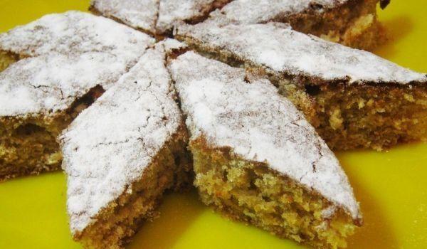 Сладкиш с орехи и сладко от смокини - Рецепта | Gotvach.bg