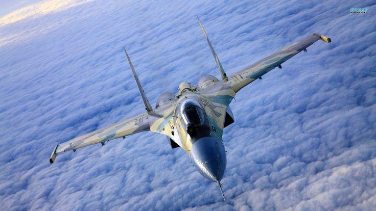 El Su-27 es un avión diseñado por Sukhoi como avión de superioridad aérea como una respuesta a los aviones de guerra F-15 y F-14 Estadounidenses. A principios de 1970 la fuerza aérea estadounidense introdujo al F-15 Eagle y F-16 Falcon, este nuevo avión superaba cualquier avión de combate de la unión soviética, por lo que la unión soviética decidió comenzar la planeación de un nuevo caza capaz de contrarrestar el nuevo poder estadounidense