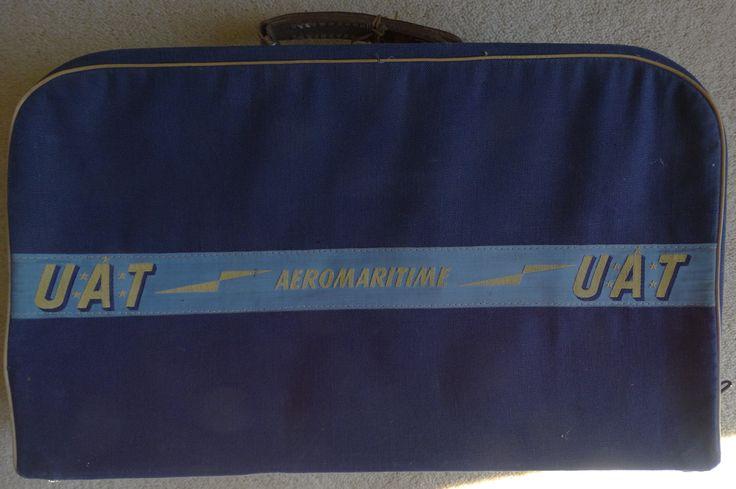 Années 50. Ne pas confondre UAT et UTA. Il s'agit ici de l'Union Aéromaritime de Transport. https://en.wikipedia.org/wiki/Union_A%C3%A9romaritime_de_Transport