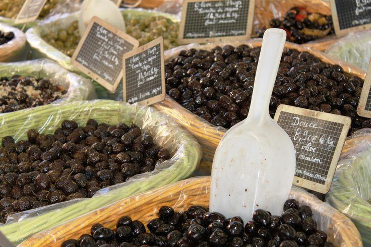 La Tanche (olives de Nyons) en drome provencale