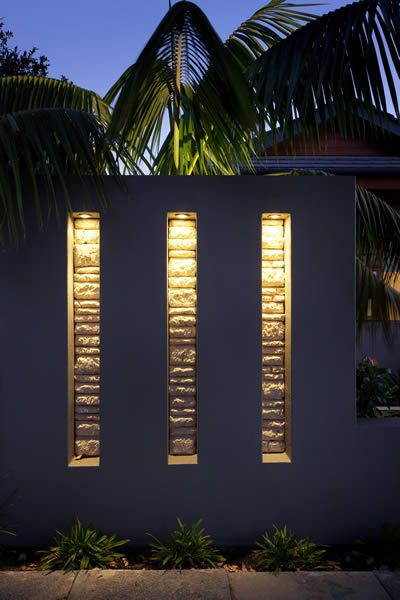 Feature Walls & Pillars - The Garden Light Company Photo Gallery, lighting, garden lighting, exterior lighting