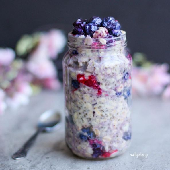 Mixed Berry Protein Overnight Oats by @healthyeating_jo - Sweeter Life Club
