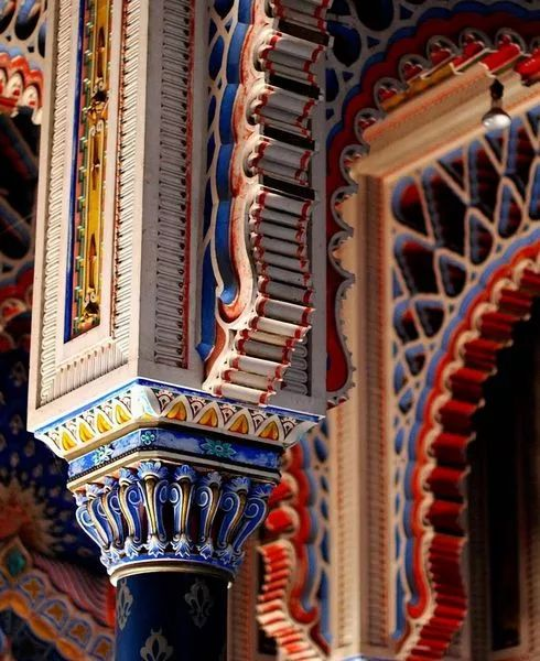 Фото: Старинная архитектура. Замок Саммеццано в Тоскане, Италия. Castello di Sammezzano, Tuscany, Italy. #architecture