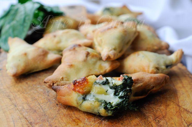 Finger food sfiziosi con spinaci scamorza e salumi