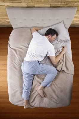 8 causes of night sweats (overheating in bed)