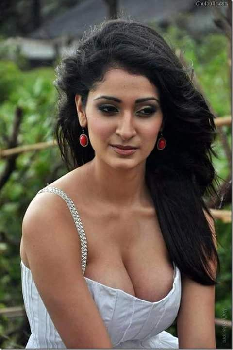 The big boob girl alankrita dogra showing their milki mellons in their photoshoot that is very hard to handle.                              ...