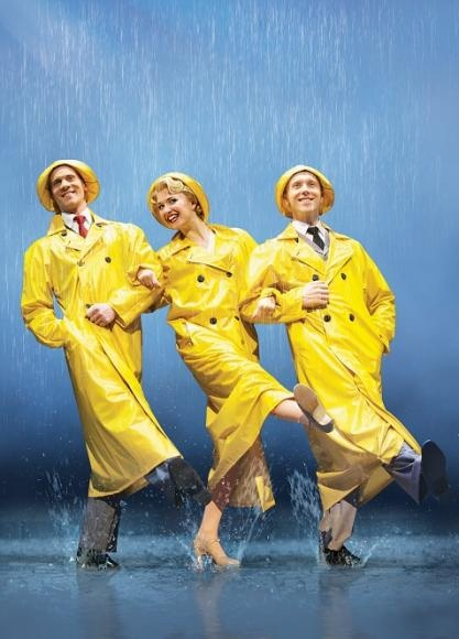 Singing in the Rain - London Theatre - repined by : citycentreretreat.com
