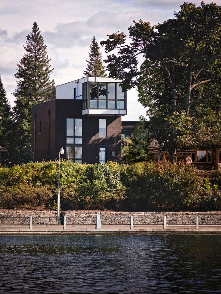Transformation of a house on Rideau Canal, Ottawa, Canada